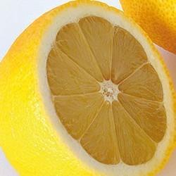 le citron et le traitement des cheveux gras et de l
